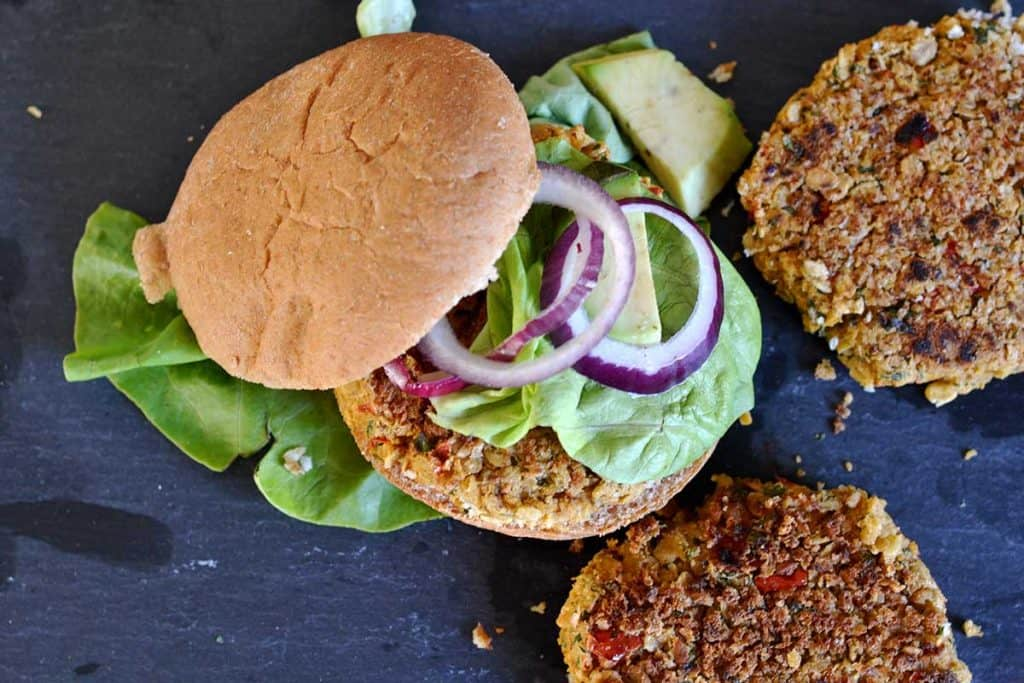 Chickpea and red pepper veggie burger4