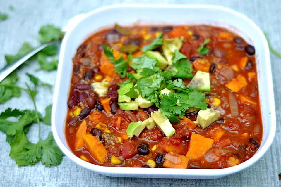Slow Cooker Three-Bean Chili with Quinoa 2