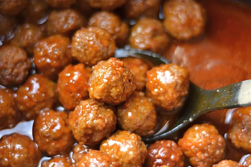 Slow Cooker Sweet and Spicy Buffalo Meatballs 3