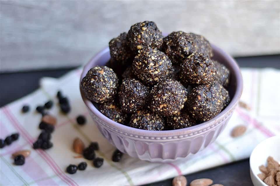 Chocolate Blueberry Almond Energy Bites